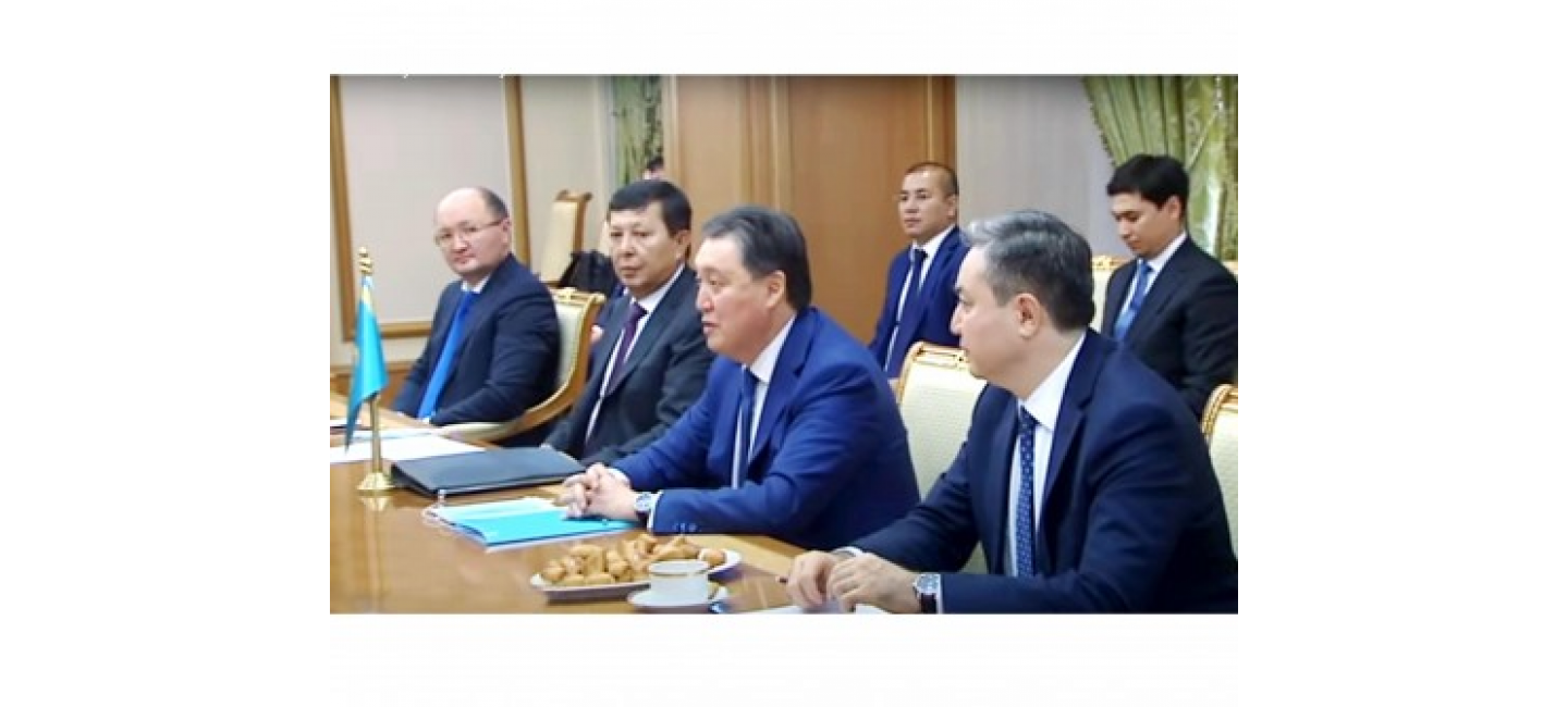 AN EXTRAORDINARY MEETING OF THE INTERGOVERNMENTAL TURKMEN-KAZAKH COMMISSION WAS HELD IN ASHGABAT